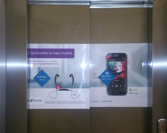 Omnitel campaign on elevators in business centers