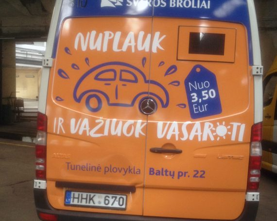 Švaros broliai advertising on buses in Kaunas