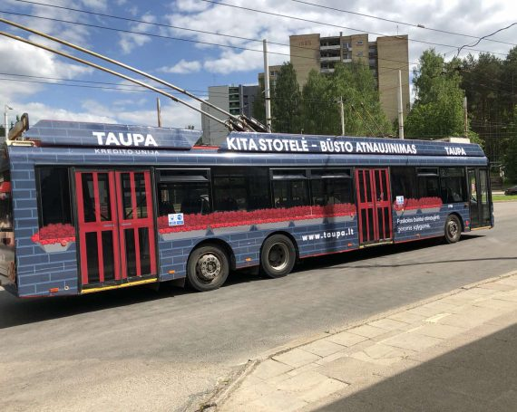 Taupa clients ad on public transport